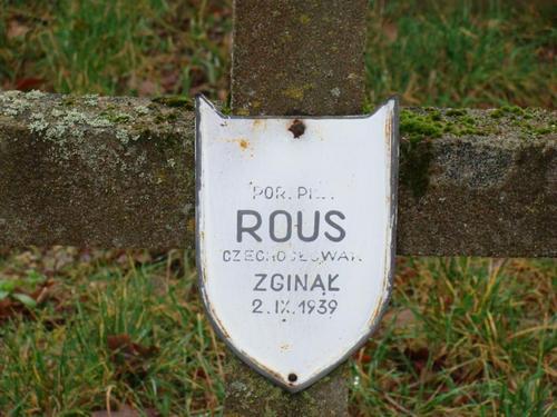Zdeněk Rous - náhrobek