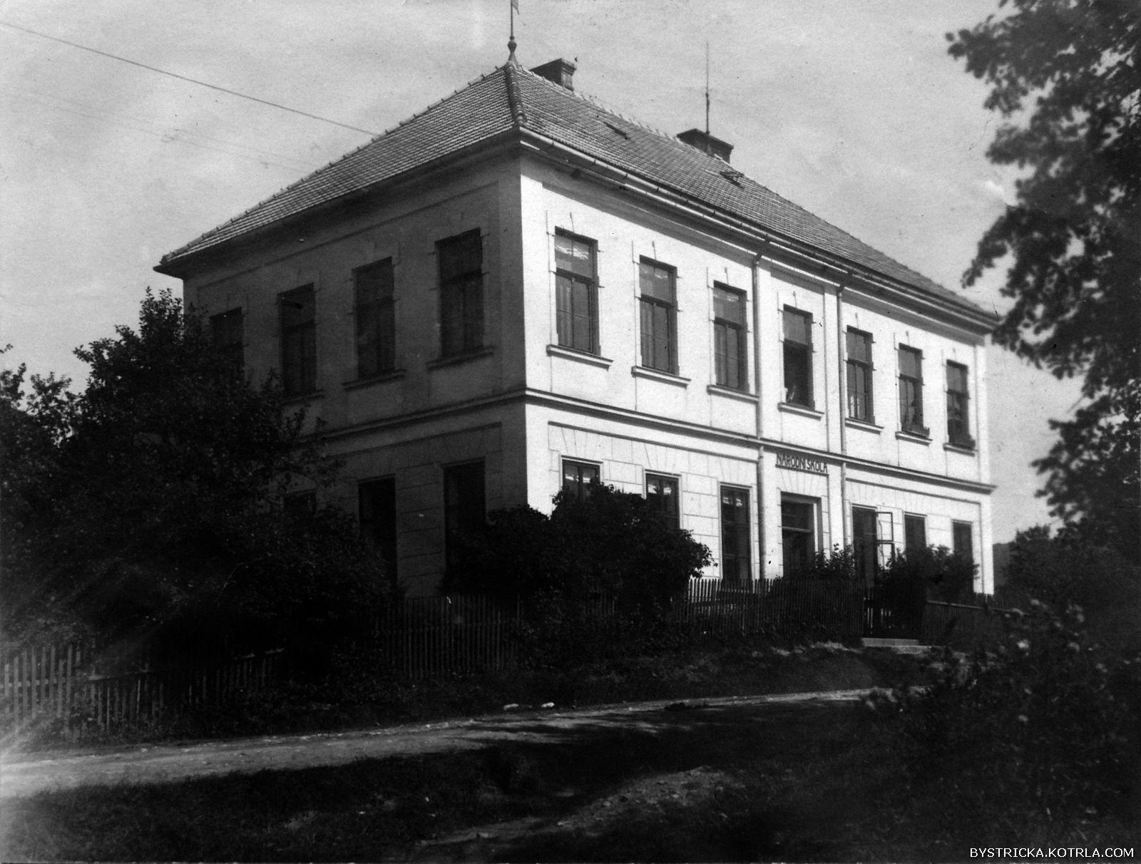 Škola v roce 1926